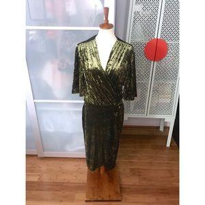 NWT Alexia Admor Flutter Sleeve Velvet Wrap Dress